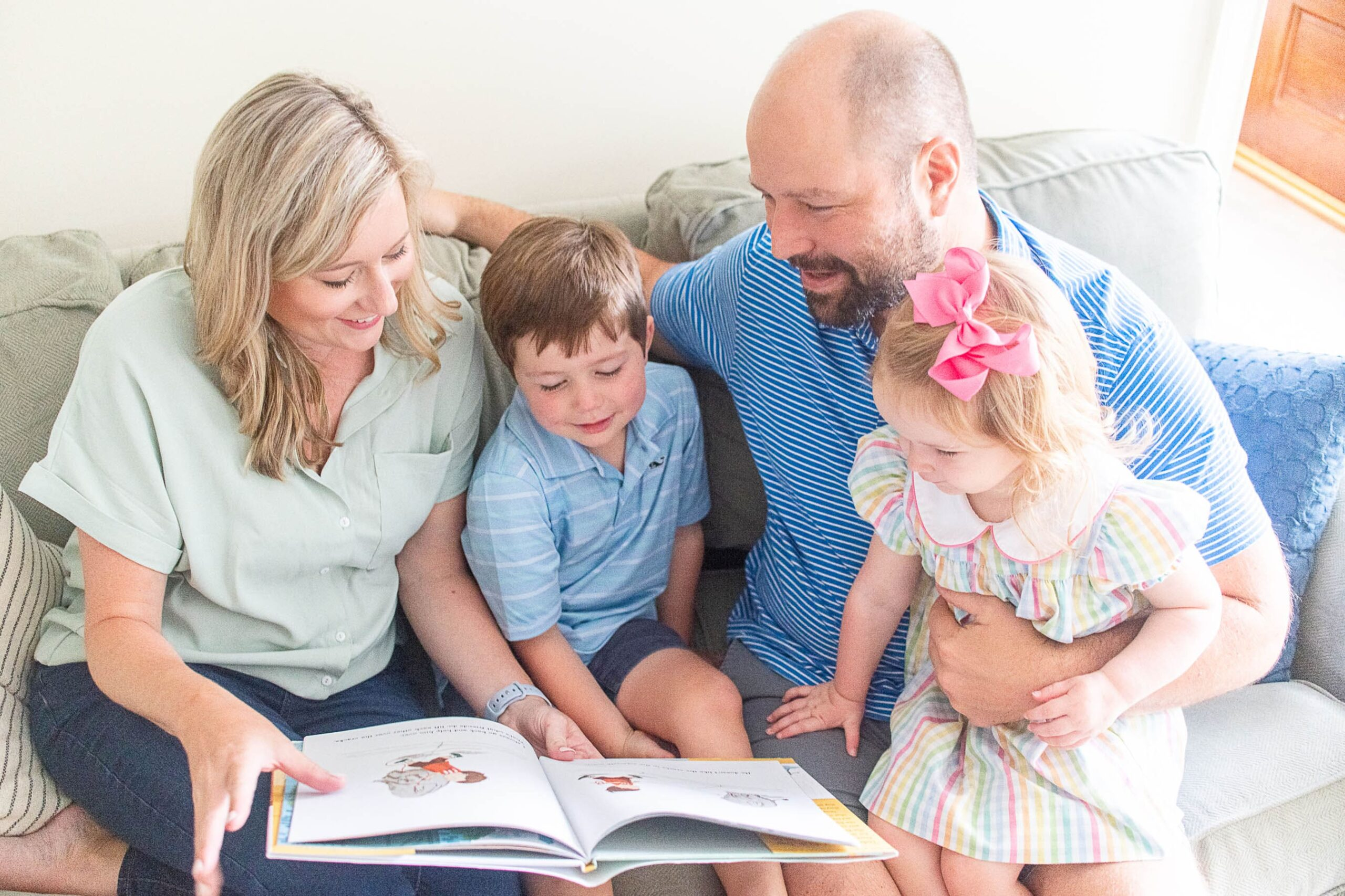 5 Family Read Alouds & Reading Together
